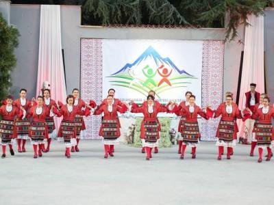 """Ансамбъл – """"Македонска хубост"""""""
